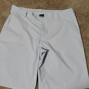 Other - NWOT Nike golf shorts BLUE SEERSUCKER. Size 35